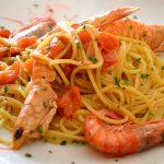 spaghetti-con-gamberi-scampi-e-pomodorini
